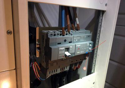 DISTRI-CENTER GAILLON : Remplacement d'un disjoncteur 160A