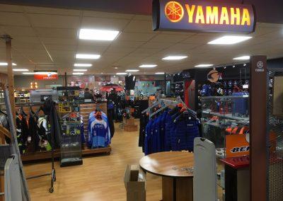 YAMAHA-VERNON-Remplacement-des-éclairages-dans-le-show-room-(2)
